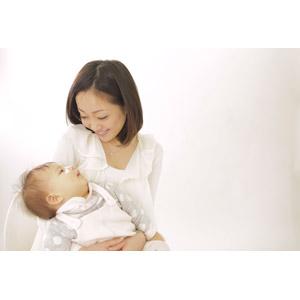 ママと赤ちゃんアイコンタクト