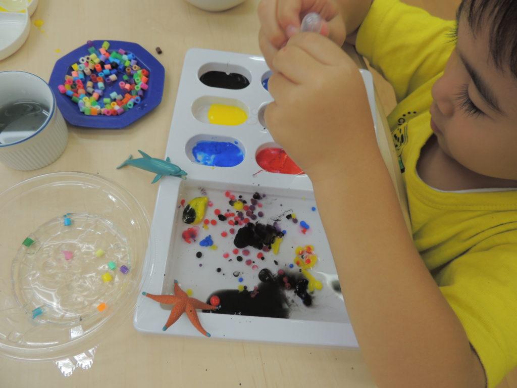 つかめる水の小さい子向けの工作アイデア