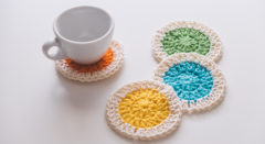 カラフルな手編みクッションマット「ソックマット」を作ろう!靴下のハギレで手芸工作。